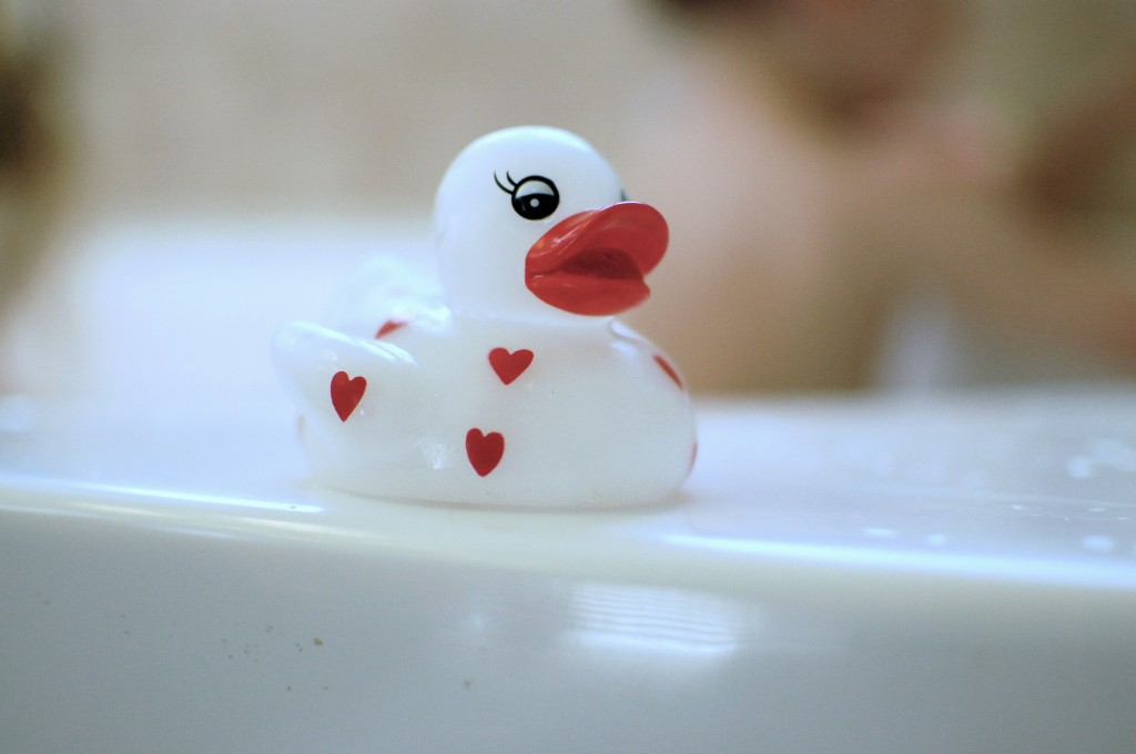 bathtub ducky, rubber ducky