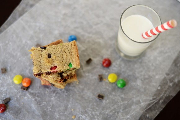 peanut butter M&M blondies
